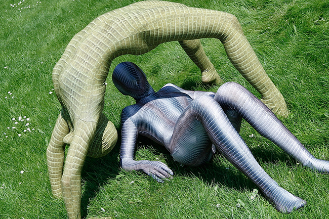 Flexible zentai girls